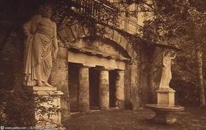 Вид грота и скульптур Юпитера и Юноны. Фото конца XIX в. [17]
