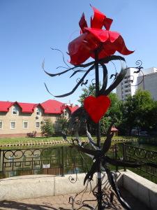 Аленький цветочек. Скульптор А.Николаев