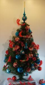 Новогодняя ёлка – главный персонаж выставки.