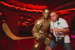 Презентация эскизов памятника хоккейному болельщику в Уфе. Июнь 2013 г.
