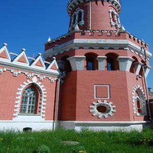 Смешение архитектурных стилей Петровского замка.